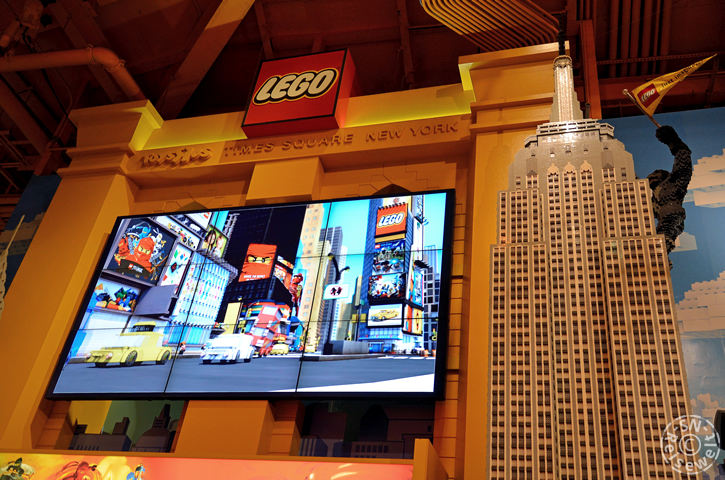 Lego-Empire State Building, Toys R Us